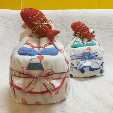 The富士山の日本製の諸々のおむつケーキ。