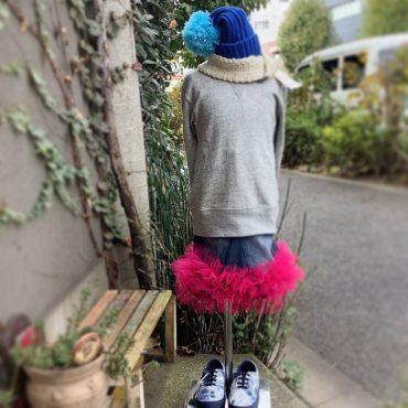 小学生の女の子の案を取り入れたかたちのスカートみたいです。