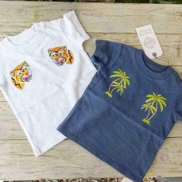 寅とヤシの木Tシャツ。