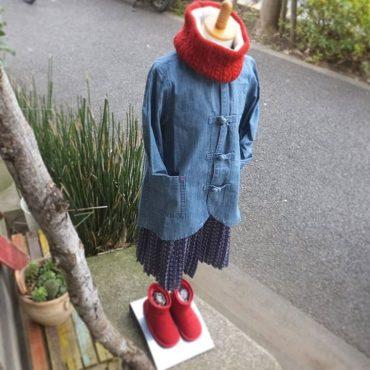 チャイナジャケットもスカートもSALEしています。